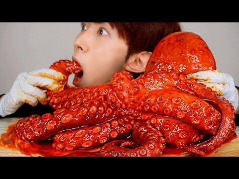 ASMR SPICY FIRE GIANT OCTOPUS 불닭 대왕 문어 먹방 MUKBANG SEAFOOD SQUID EATING SOUNDS Gurita Bạch tuộc 大王タコ