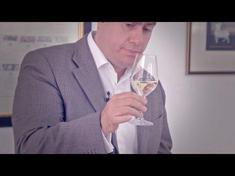 Πώς απολαμβάνουμε το λευκό κρασί