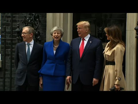 "President Donald Trump is telling British Prime Minister Theresa May that she should ""stick around"" so that the US and Britain can do a trade deal. The two are meeting in London. Anti-Trump protesters are also out in London. (June 4)"