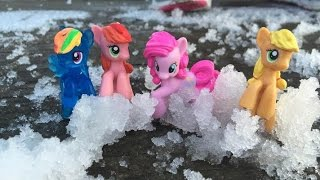 🦄❄MY LITTLE PONY PLAYING IN THE SNOW!🦄❄