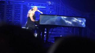 Alicia Keys - Pray For Forgiveness (Live @ Palau Sant Jordi, Barcelona) (2 Jun 2010)