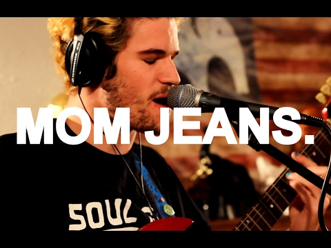 """Mom Jeans. – """"Death Cup"""" Live at Little Elephant (1/3)"""
