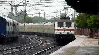 GZB WAP-7 led 12214 Delhi Sarai Rohilla-Yesvantpur Duronto attacks Ghoradongri at 120Kmph!!