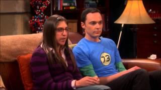 "The Big Bang Theory - Amy et Sheldon regardent ""la petite maison"""