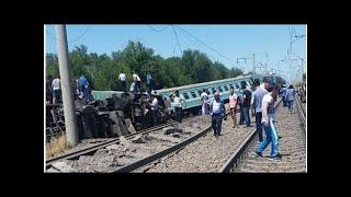 Поезд в Казахстане: власти назвали причину аварии