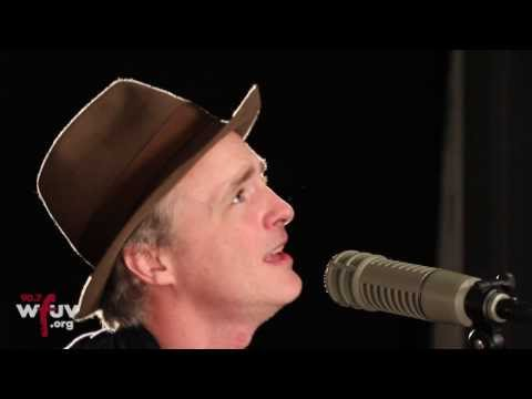 "Travis - ""Flowers in the Window"" (Live at WFUV)"