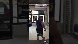 Dude With No Neck Looses It In Metropcs 😂