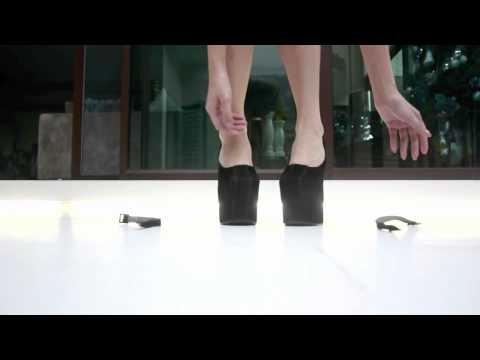 Vishoes- First Design (HEEL LESS)