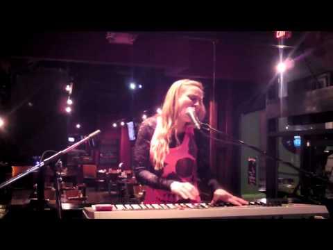 Jenni Schick - Somebody to Love