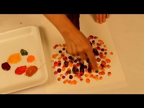 Peinture à doigts: arbre en automne