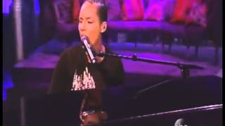 Alicia Keys - We Are Here live on the view