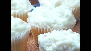 Coconut Cupcakes - คัพเค้กมะพร้าว