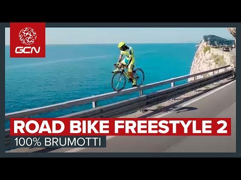 hqdefault - Haciendo virguerias con una bicicleta de carreras
