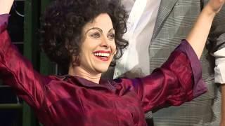 Hana Holišová jako Edith Piaf v představení Vrabčák a anděl