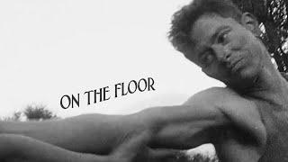 On the Floor de Perfume Genius