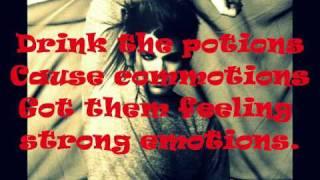 Adam Lambert- Pop Goes The Camera (Lyrics)
