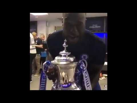 Moses Celebrates FA Cup Win With Chelsea Team Mates