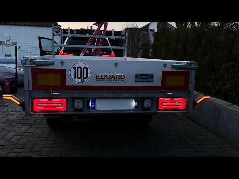 Neon LED Rückleuchten mit dynamischen Blinkern für einen PKW Anhänger