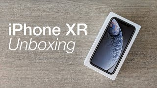 iPhone XR unboxing & first impressions