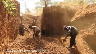 preview picture of video 'Musenje aquamarine mine, Eastern Zambia'