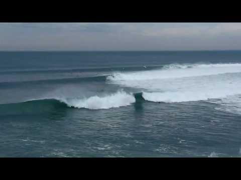 Huge pumping swells at Torquay