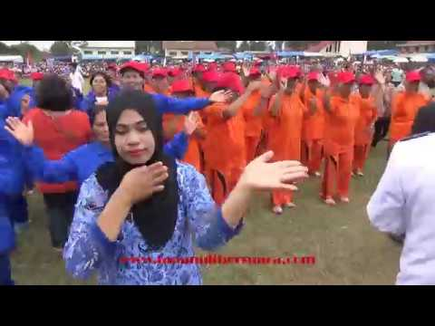HUT RI-72 Kec Pangaribuan,Lansia Goyang Semelekete Massal