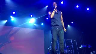 Brian McKnight Live - Shoulda Woulda Coulda - Front Row Best Seat