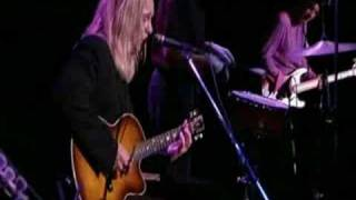 Cheap Trick - I Don't Love Here Anymore (live)