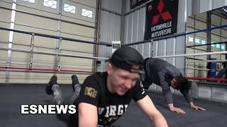 Manny Pacquiao Does 1K Situps How Many Does Bfly Do EsNews Boxing
