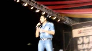Abhishek Bachchan Performing Thayn Thayn at Dum Maaro Dum Concert!