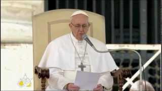 O Papa Francisco saúda os jovens do UNIV 2013