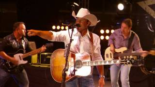 Aaron Watson - Angels & Outlaws (Live)