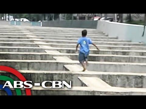 Mga larawan ng mga theatrical mask sa mukha