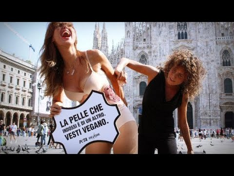 Video di sesso nascosti in locali notturni