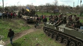 Ukraine army vehicles blocked by pro-Russians