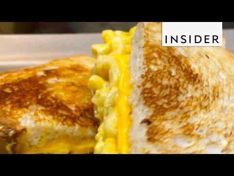 Mac and Cheese Burgers