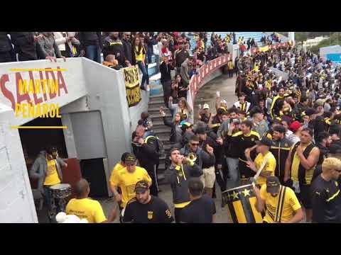 """""""Entrada de la Percusión - Hinchada de Peñarol (vs river)"""" Barra: Barra Amsterdam • Club: Peñarol"""