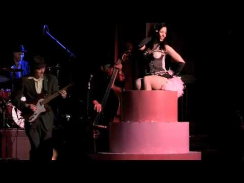 Orchestre L'Pow Big Time Burlesque 2011