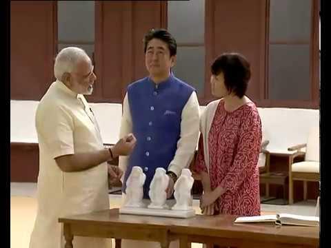 जापानी PM शिंजो आबे का अहमदाबाद में रोड शो  (LIVE)