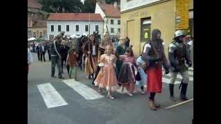 preview picture of video 'Vinobraní Mikulov - Průvod krále Václava IV.'