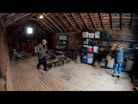 Cleaning and Organizing the Loft of Our Barn 💪🧹🏠// Garden Answer