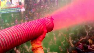 preview picture of video 'Loknath churahe ki lallantaap holi .....varsh 2013.place Allahabad ke..HD'