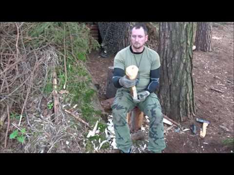Schöpfkelle fürs Bushcraft Wald Camp angefangen zu schnitzen