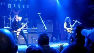 Stryper - The Rock That Makes Me Roll (Live in Chicago 3-20-2011)
