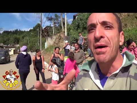 Veja que Incrível Busão aparece na Quebrada de Itatuba de São Lourenço da Serra durante a Reportagem do Jornal Agora é Sério em São Lourenço da Serra