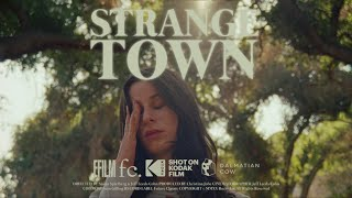 "Buzzy Lee – ""Strange Town"""
