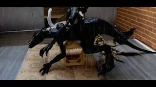 Jurassic World Fallen Kingdom Blue vs Indoraptor Toy movie prv