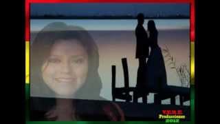 Solo y Sin Luz (Audio) - Rocío Moreira  (Video)