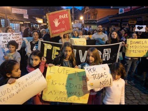 Nova Friburgo tem protesto após caso de mulheres queimadas por homem