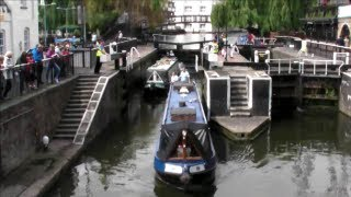 preview picture of video 'Camden Lock in Operation with Boats. Opening and Closing. Camden Town. London'